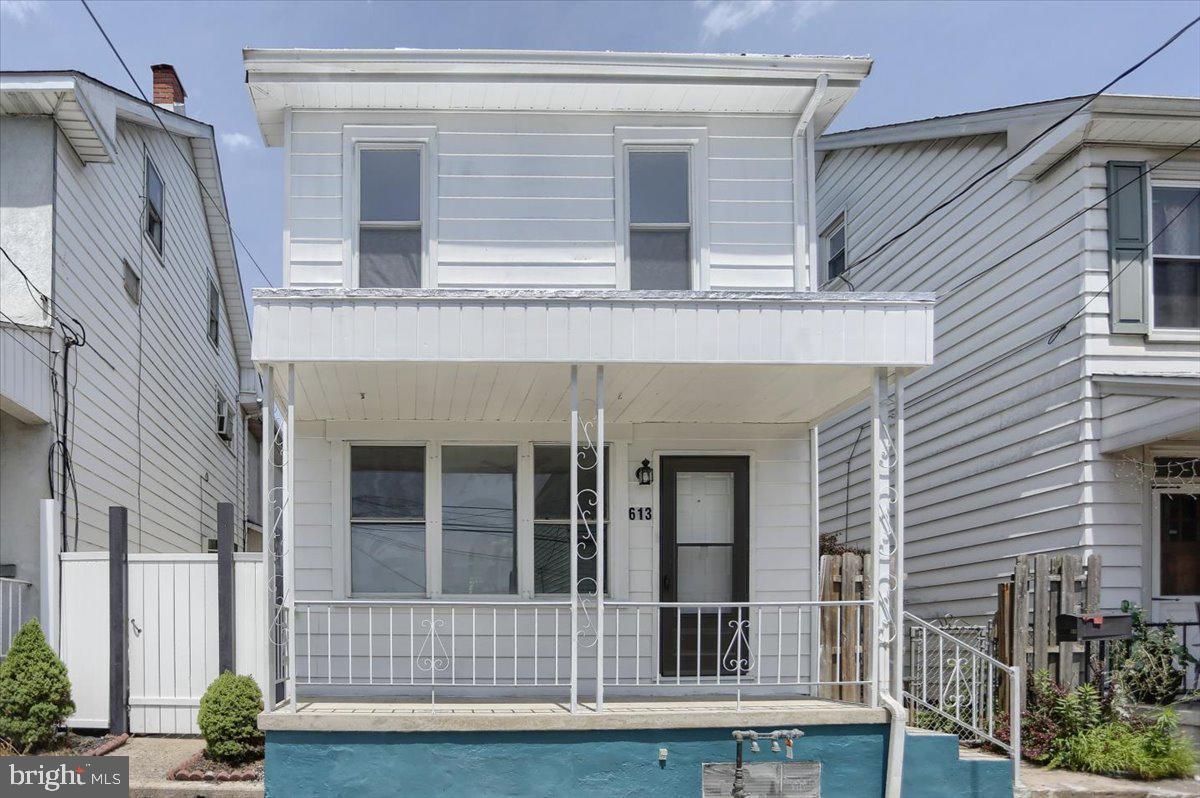 613 N 3rd Street Property Photo 1
