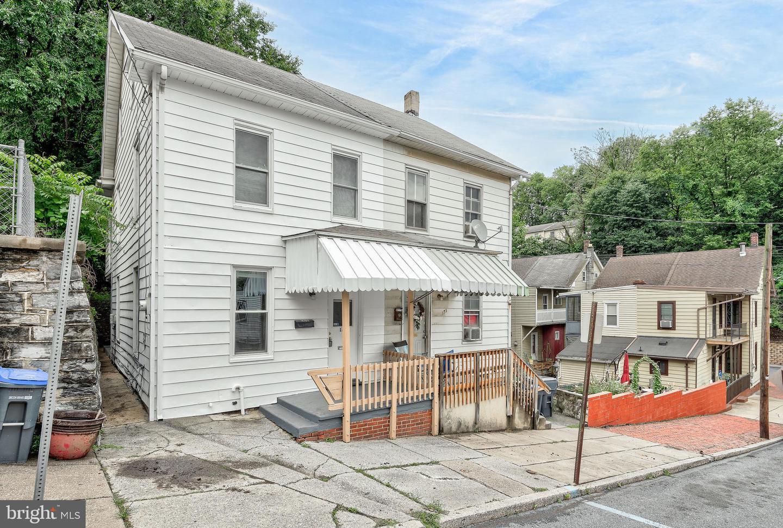 169 S 4th Street Property Photo 1