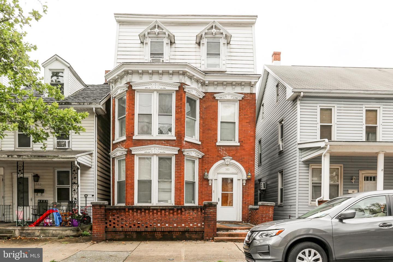 380 S 2nd Street Property Photo 1
