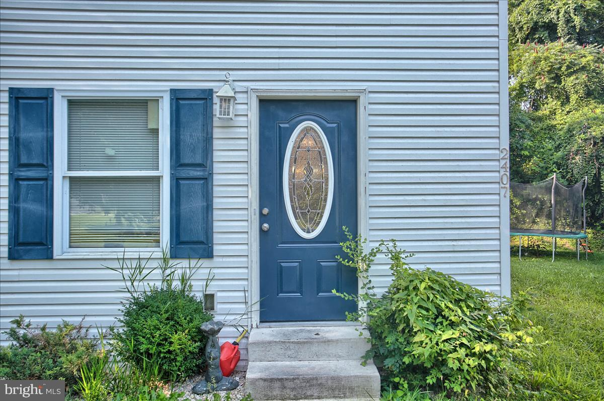 2407 Brown Street Property Photo 3