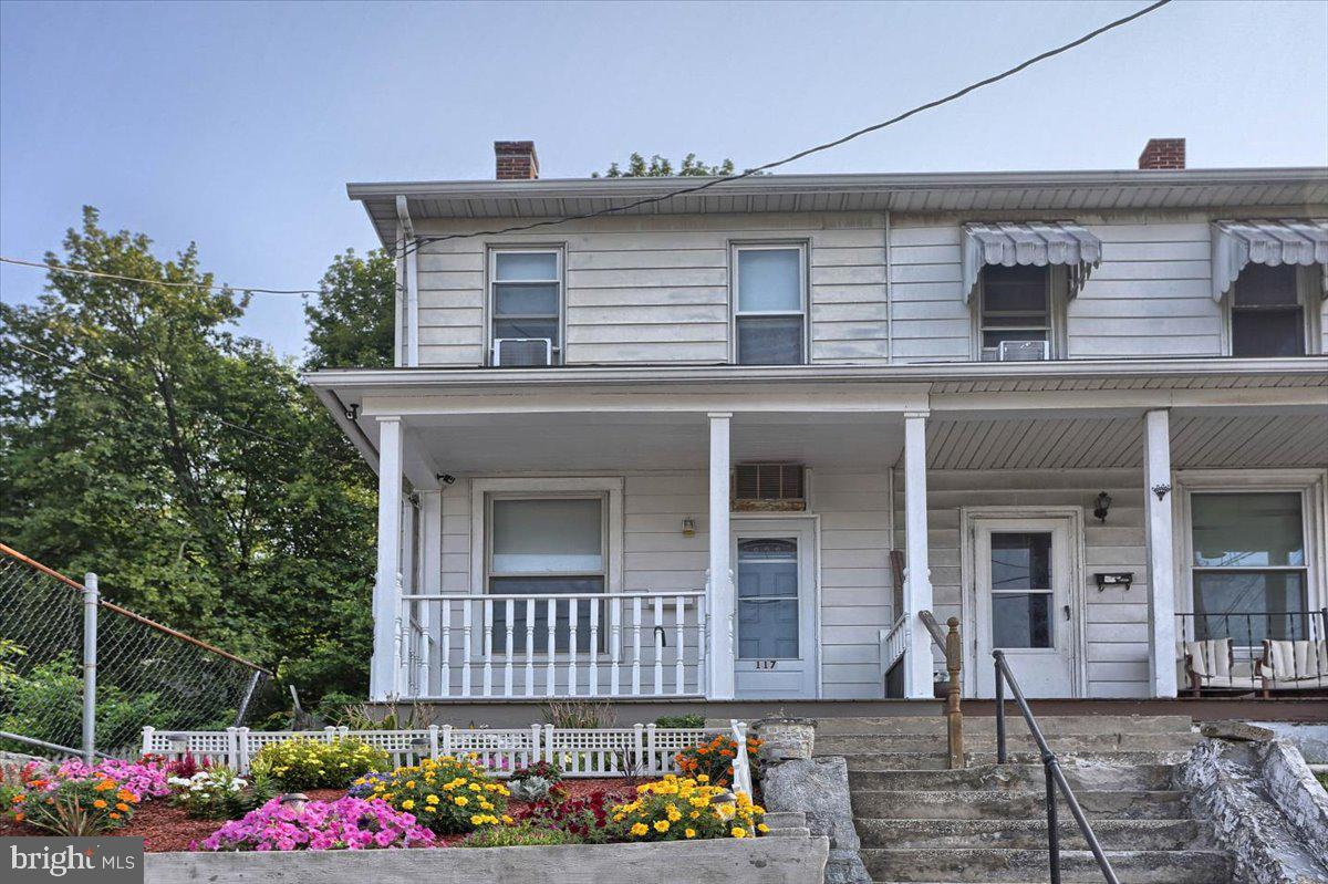 117 Penn Street Property Photo 2