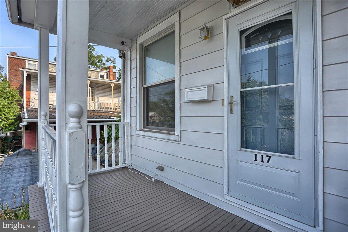 117 Penn Street Property Photo 3