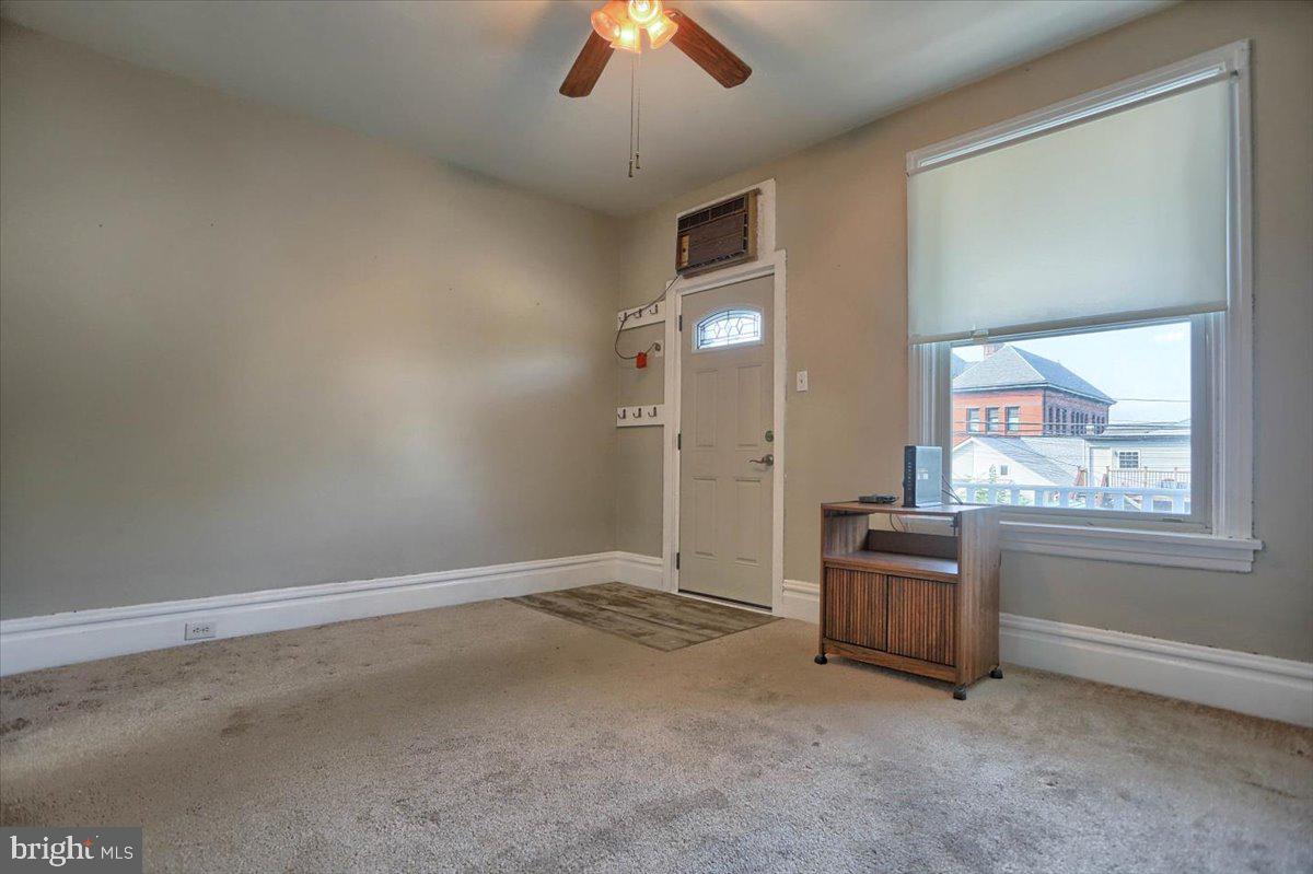 117 Penn Street Property Photo 4