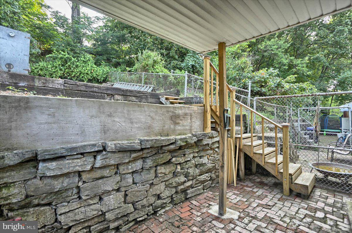 117 Penn Street Property Photo 34