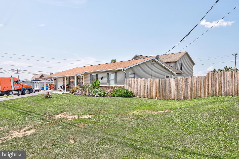 743 Chambers Street Property Photo 3