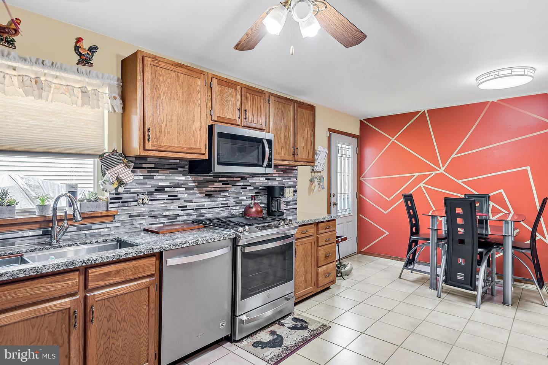 743 Chambers Street Property Photo 6