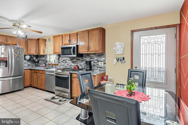 743 Chambers Street Property Photo 7
