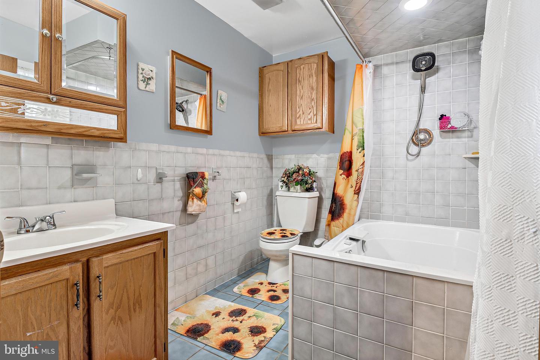 743 Chambers Street Property Photo 13