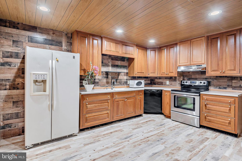 743 Chambers Street Property Photo 19