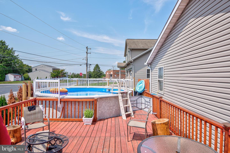 743 Chambers Street Property Photo 24