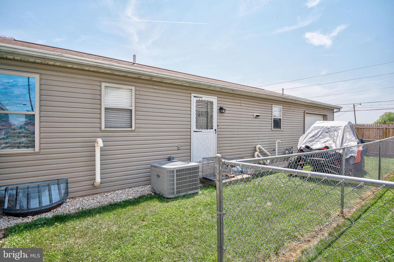 743 Chambers Street Property Photo 25