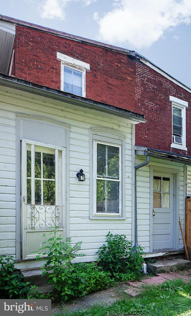 1342 State Street #apt 1 Property Photo 9