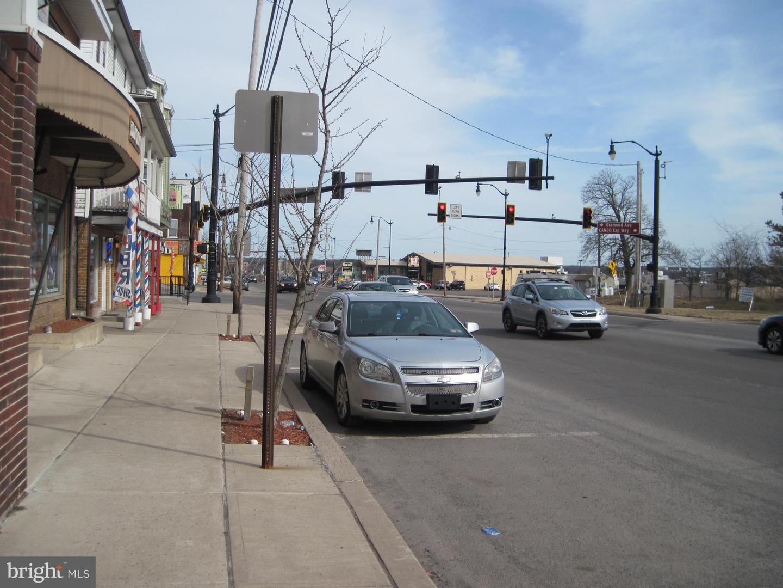 309 E Broad Street E Property Photo 2