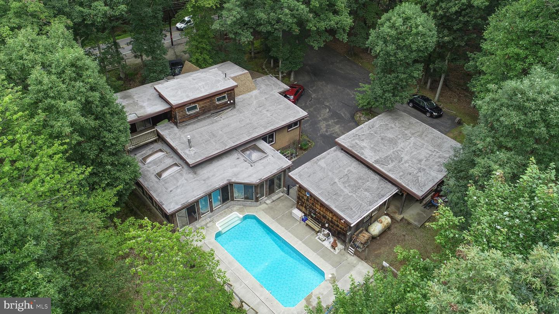 122 E Lake Valley Drive Property Photo 2