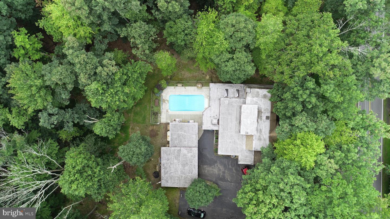 122 E Lake Valley Drive Property Photo 3