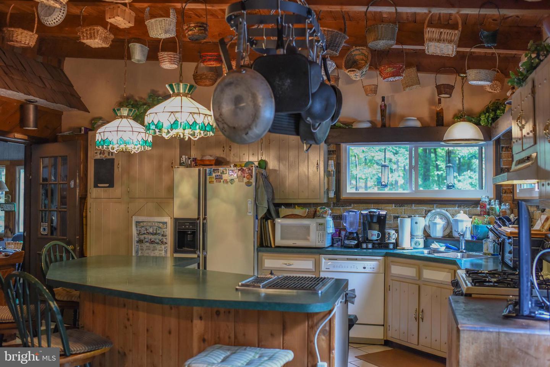 122 E Lake Valley Drive Property Photo 7