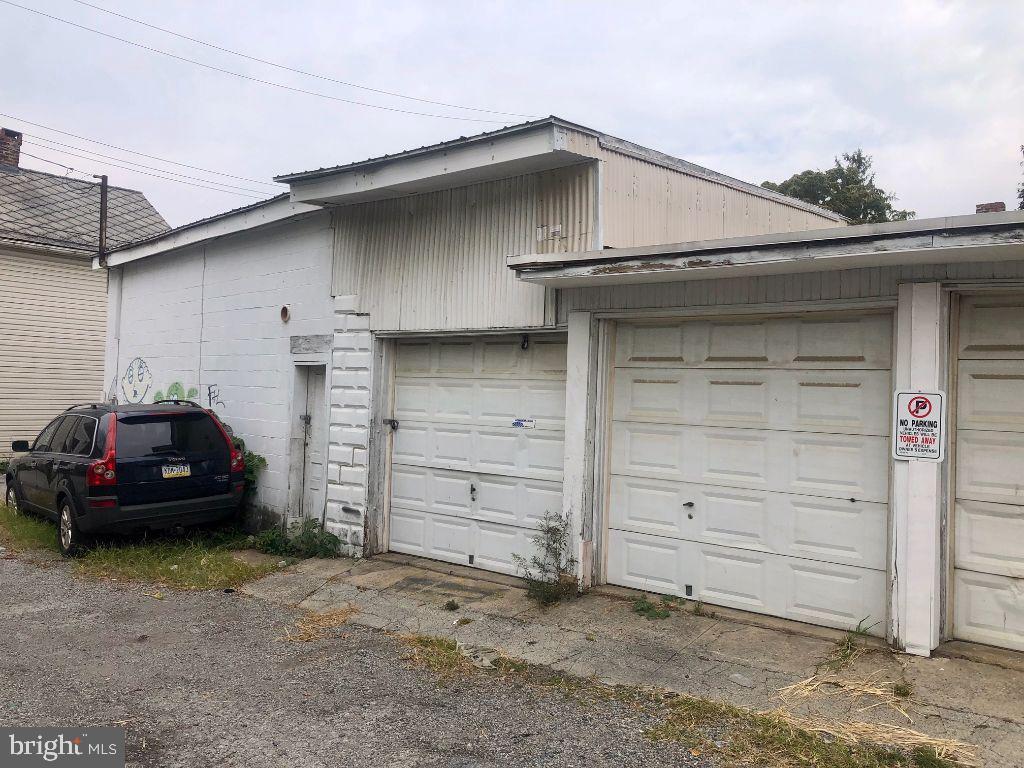 226 S SHERMAN STREET #REAR Property Photo 1