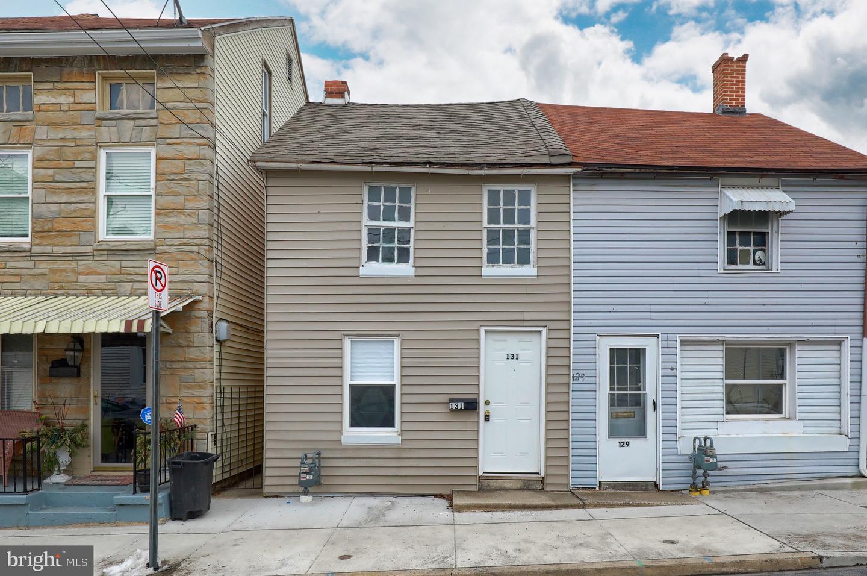 131 N PINE STREET Property Photo 1