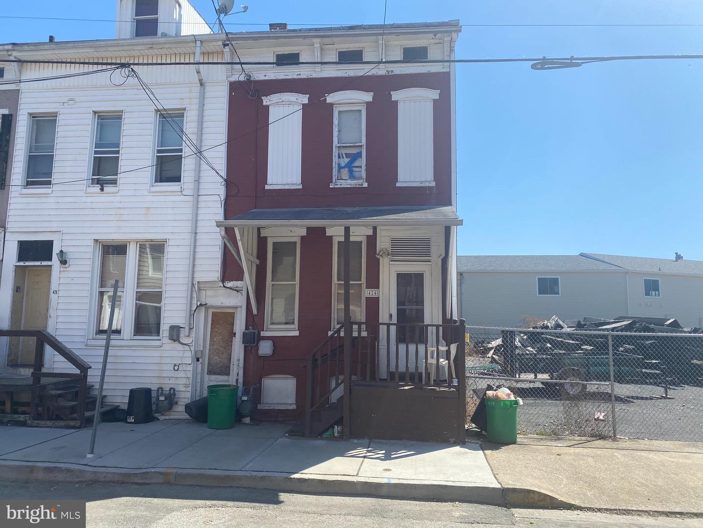 424 WALNUT STREET Property Photo 1
