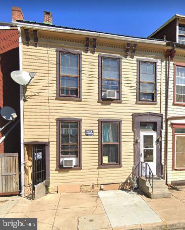453 S DUKE STREET Property Photo 1