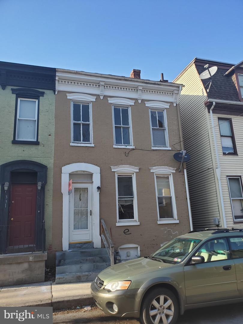 329 W NORTH STREET Property Photo 1