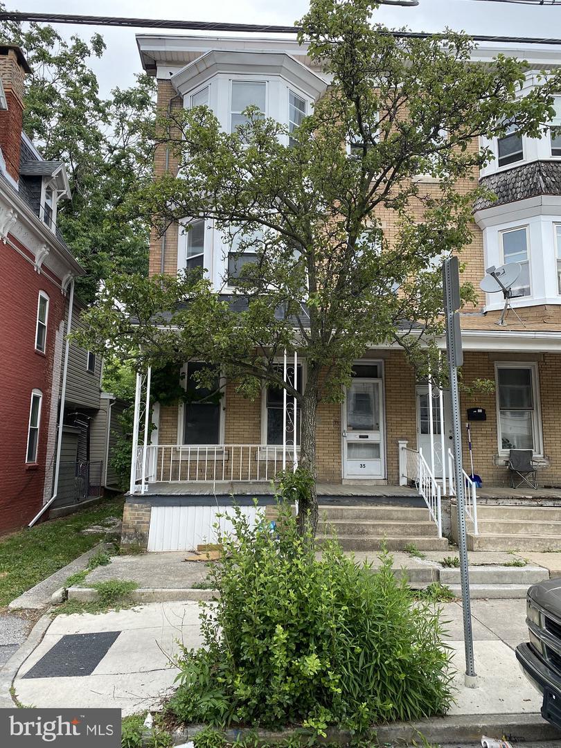 35 W JACKSON STREET Property Photo 1