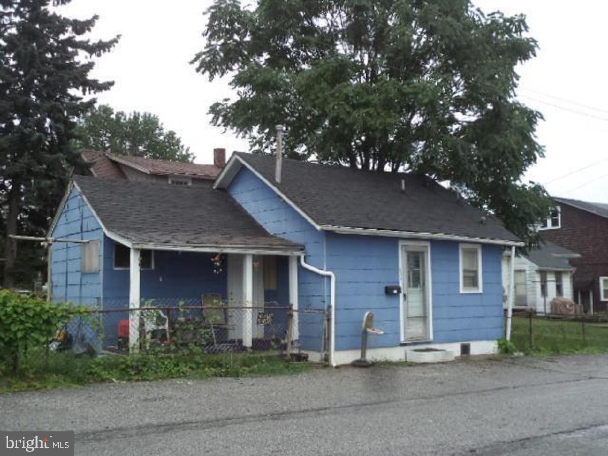 625 GIRARD AVENUE Property Photo 1