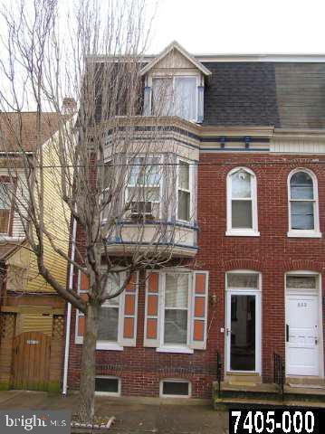 330 W NORTH STREET Property Photo 1
