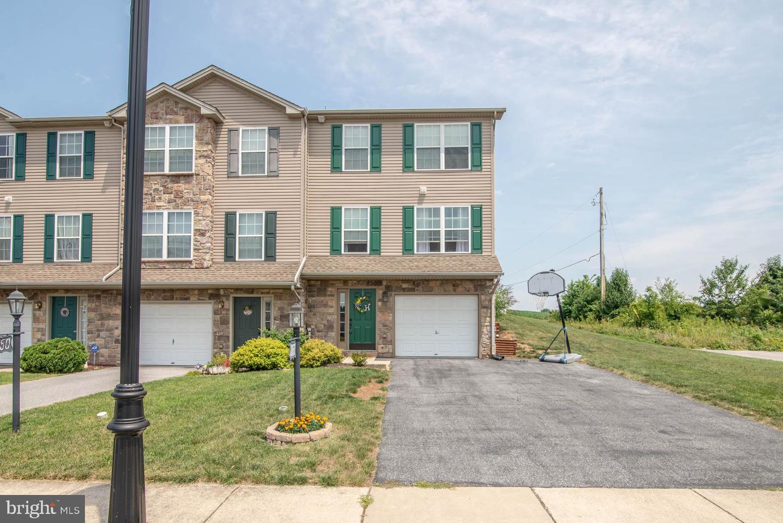 1060 Matthew Drive Property Photo 1
