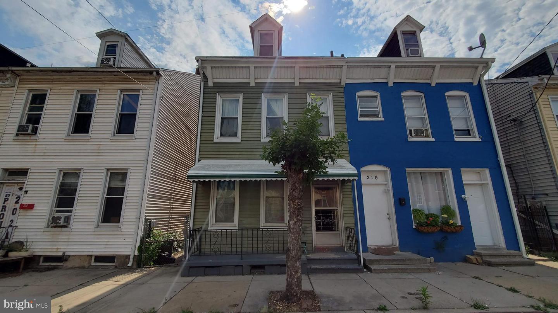218 S PENN STREET Property Photo 1