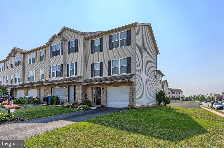 650 Fisher Drive Property Photo 1