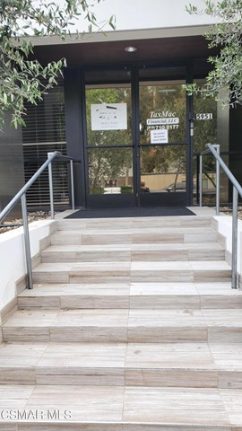 5951 Variel Avenue Property Photo