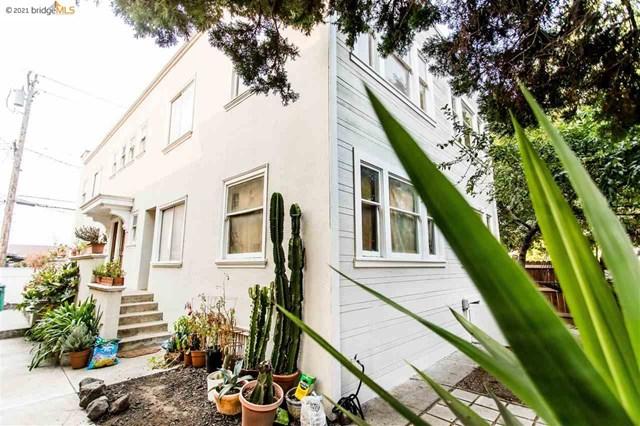 496 41st St Property Photo