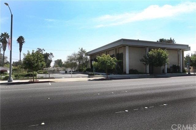 2424 Huntington Drive Property Photo