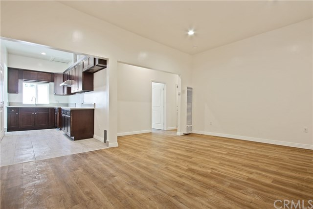 1918 West 8th Street Property Photo