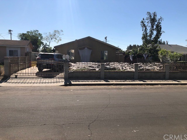 553 Ralston Street W Property Photo