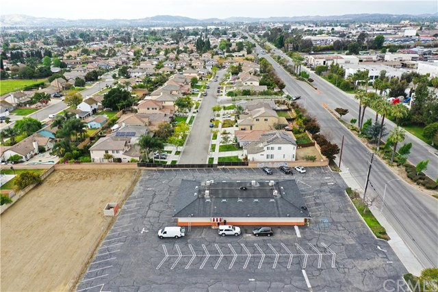 4711 Mission Boulevard Property Photo