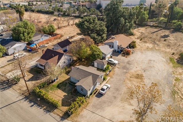 335 E Caroline Street Property Photo