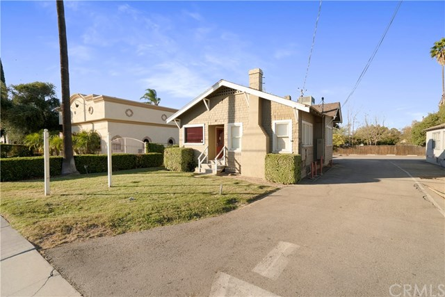 3747 Arlington Avenue Property Photo