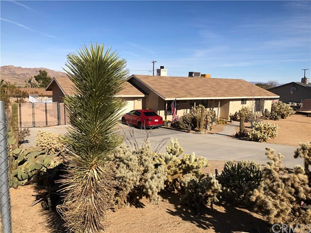 60458 Pueblo Trail Property Photo