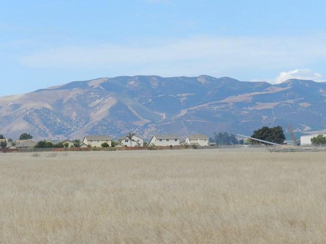 1064 Walnut Avenue Property Photo