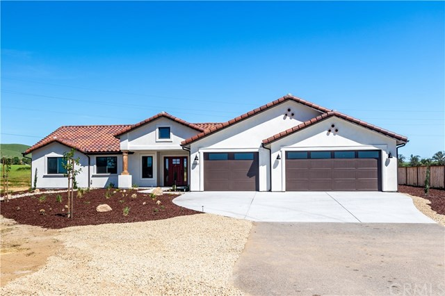 13180 N Bluffs Court Property Photo - San Miguel, CA real estate listing