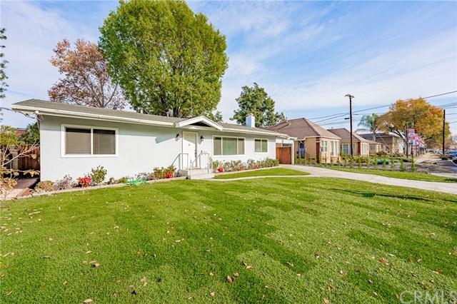 13751 Sylvan Street Property Photo