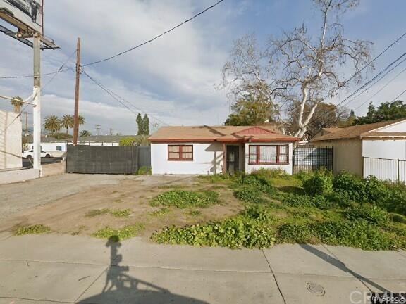 4946 N Grand Avenue Property Photo
