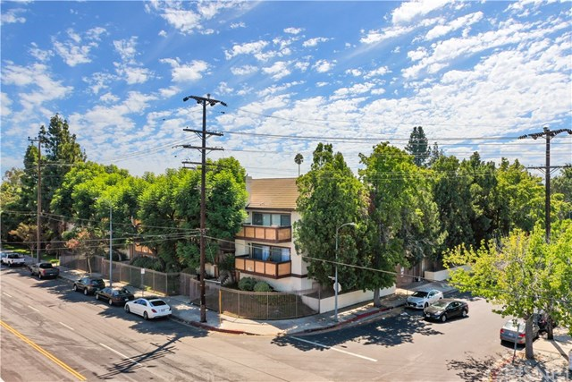 14348 Burbank Boulevard #2 Property Photo