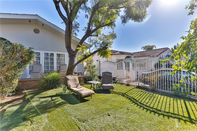 636 N Laurel Avenue Property Photo