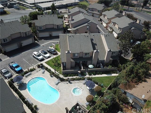685 N Lark Ellen Avenue Property Photo