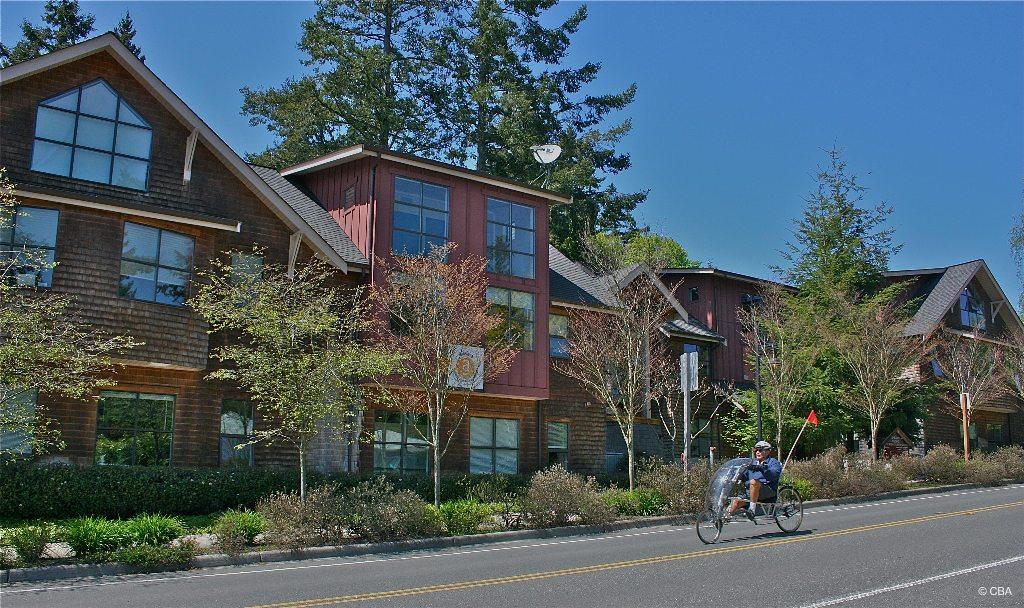 425 Ericksen Ave Ne #suite 250 Property Photo