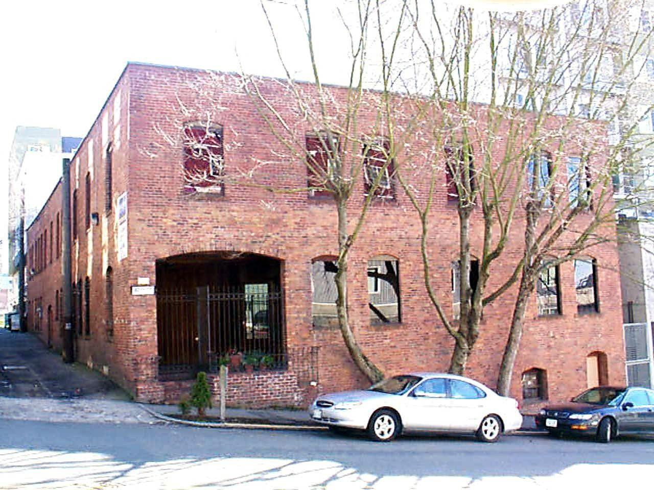 87 Wall St Property Photo