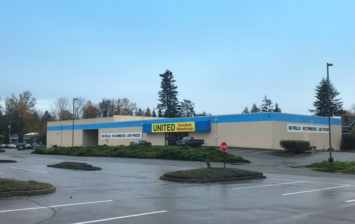 300 Valley Mall Way Property Photo - Mount Vernon, WA real estate listing